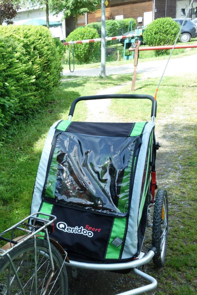 Mit Fahrrad-Anhänger unterwegs auf Tour